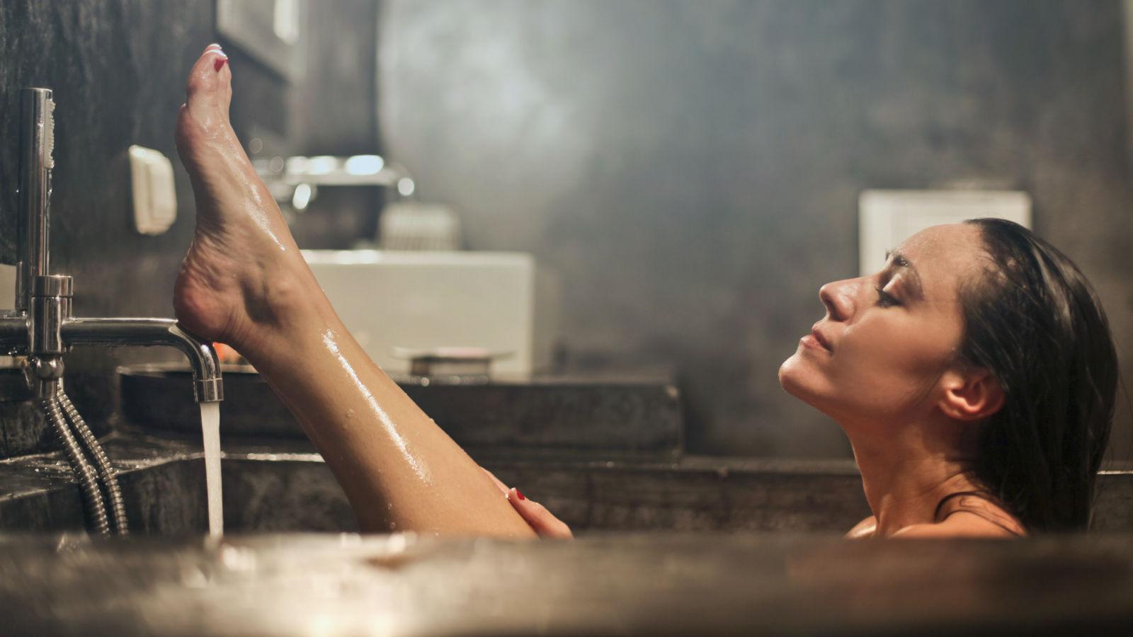 Verw-hne-dich-nach-der-Rasur-mit-dem-pflegenden-After-Shave-Balsam