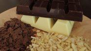 Backzutaten Schokolade, Nüsse und Mandeln