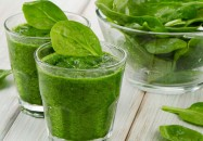 Grüne Smoothies aus Wildkräutern sind gesund