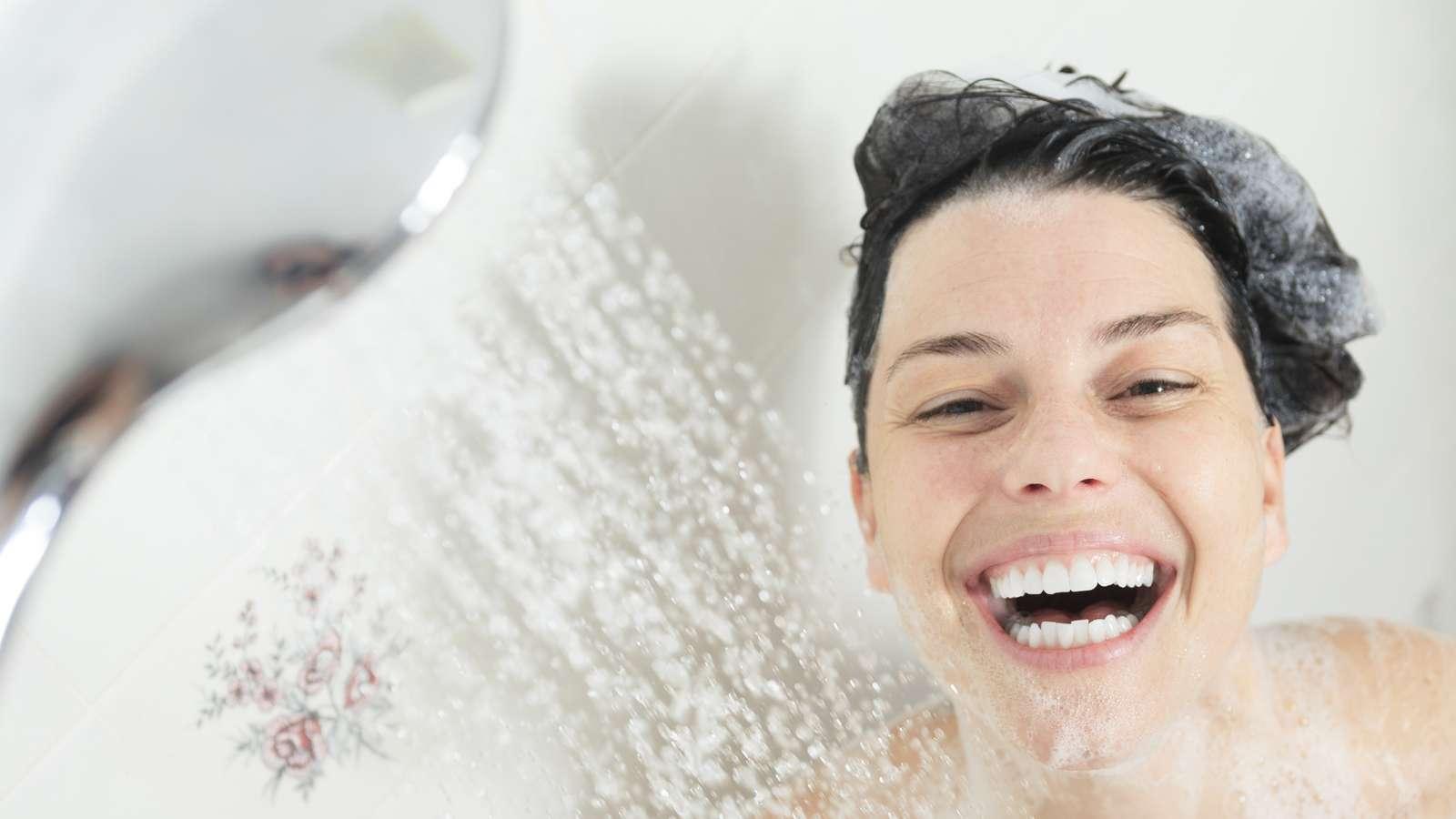 haare waschen naturprodukte stilvolle frisur website foto blog